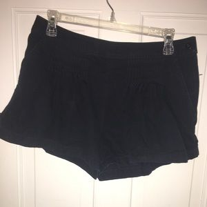 Marc Jacobs - Navy blue shorts - size 6